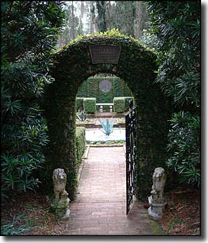 Entrance to the walled garden at Alfred B. Maclay Gardens State Park